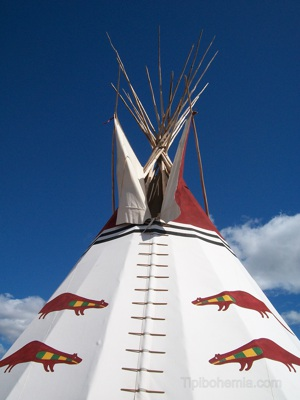 Front view, the Otter Teepee