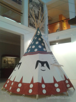 Tipi commissioned by the Anthropological Museum of Madrid.