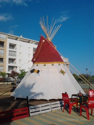A Cheyenne style teepee, made with cotton canvas without treatment.