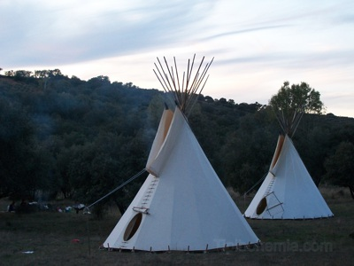 Two teepees of 6m